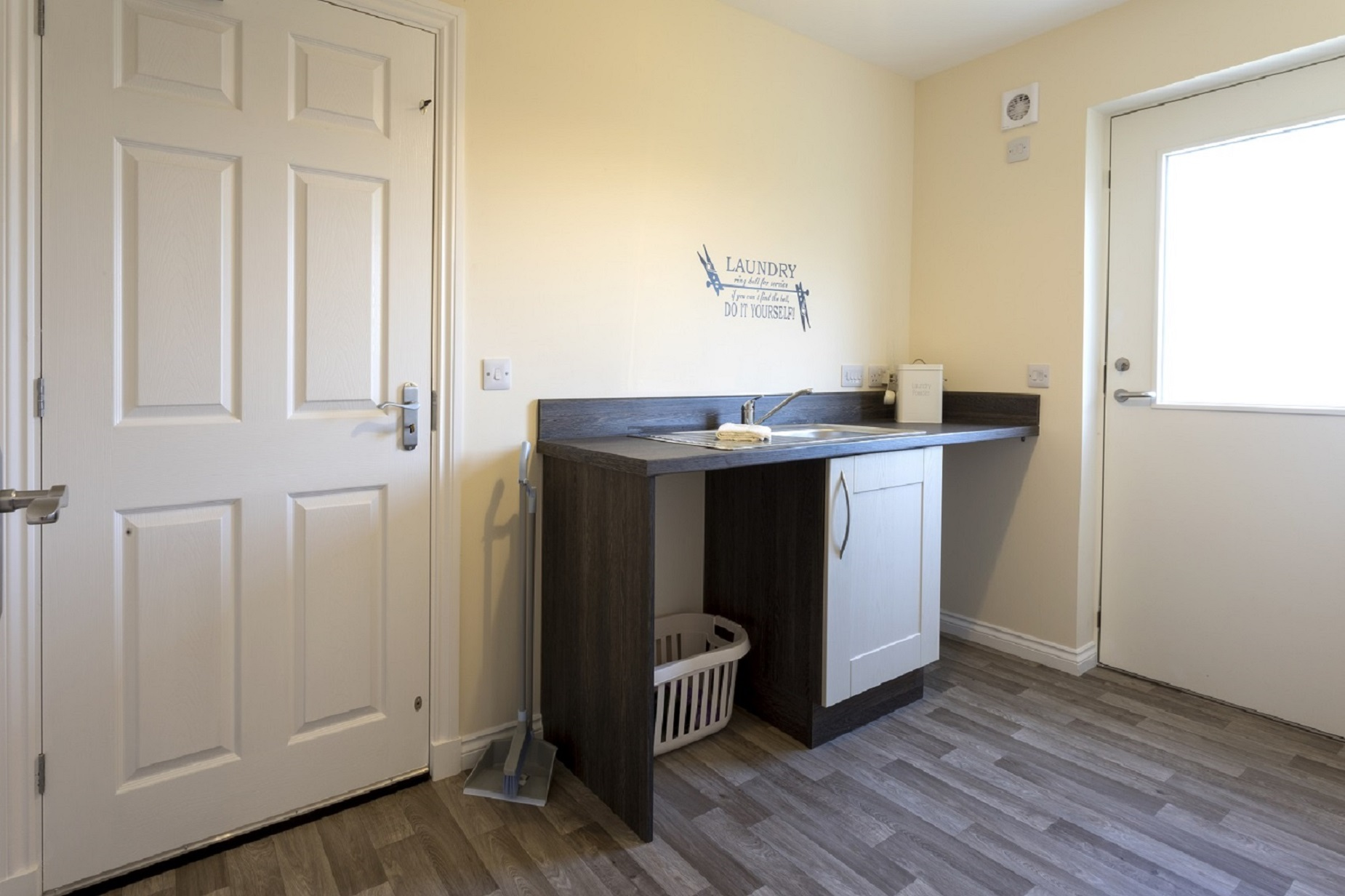 6-Cairnwell-utility-room-to-back-foor