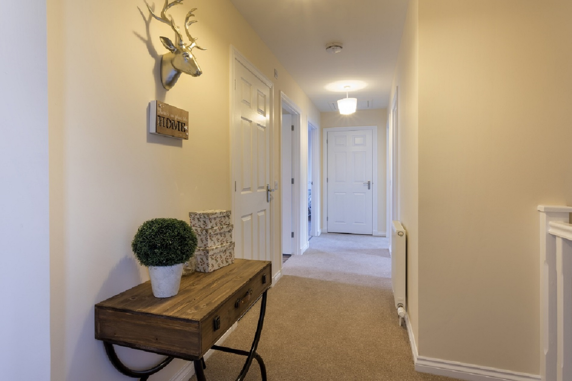 8-Cairnwell-upstairs-hall